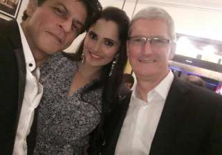 Apple's CEO Tim Cook with tennis player Sania Mirza and bollywood actor Shah Rukh Khan at the dinner hosted by the later at his residence 'Mannat'.