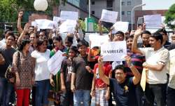 Buyers of Unitech protest against builder of Unitech for
