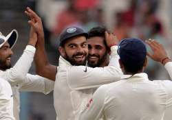 3rd Day, 2nd Test - New Zealand bowled out for 204 by