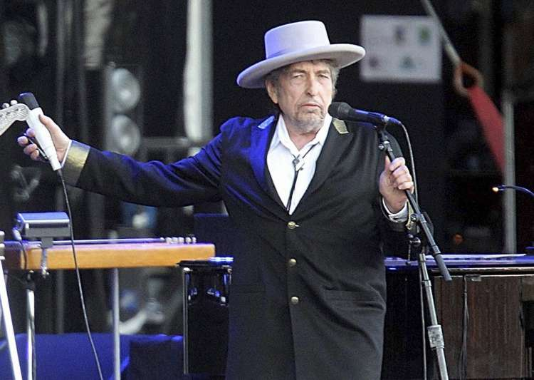 Bob Dylan has responded to the calls of Nobel panel- India Tv