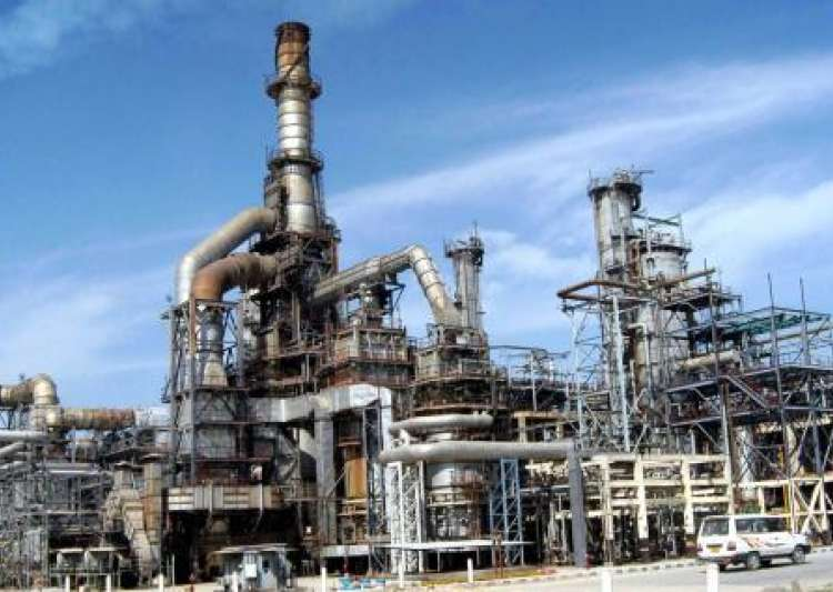 India's oil installations now on Pakistan's target, warns- India Tv