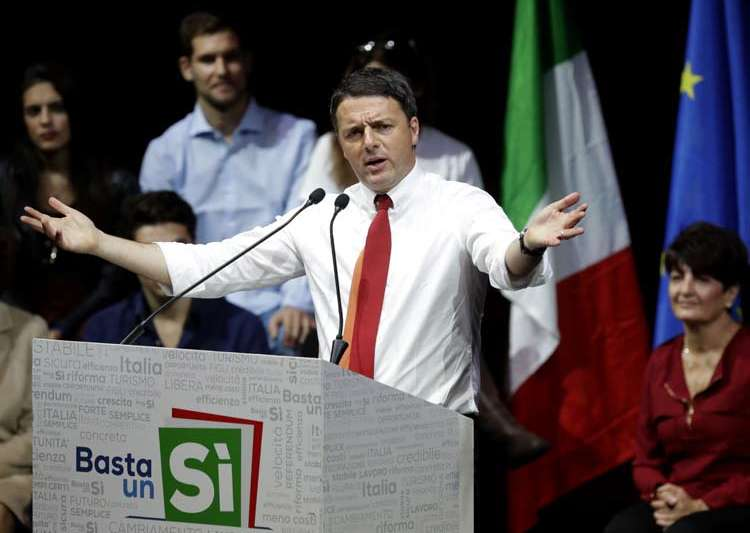 Renzi during a demonstration to support vote yes in- India Tv