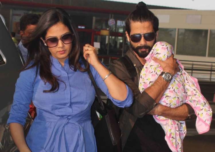 Shahid Kapoor-Mira Rajput take daughter Misha out for her- India Tv