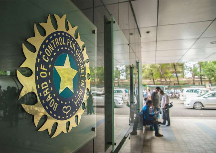 BCCI's blunder ends hopes of seven cricketers - India Tv