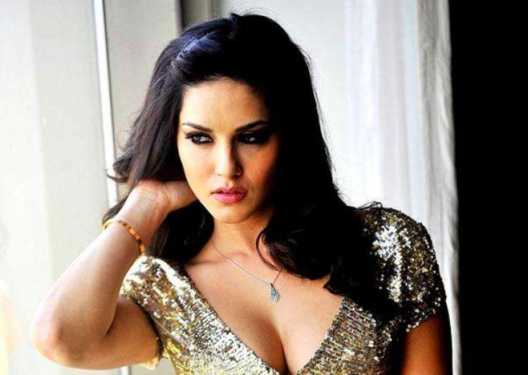I still struggle to adjust in Bollywood, Sunny Leone on- India Tv
