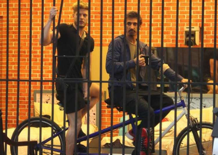 Bigg boss cycling task- India Tv