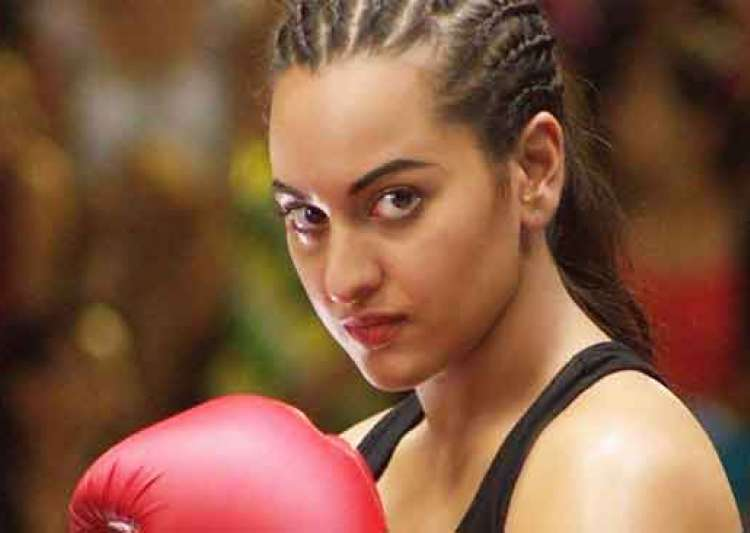 Sonakshi warns Force 2 cast- India Tv