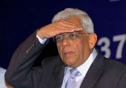 hdfc chairman deepak parekh resigns from hindustan unilever