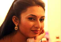 divyanka tripathi trying her best to live life happily