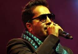 here s why mika singh slapped the dr for good at delhi
