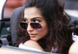sonam worried about re creating rekha s khoobsurat charm