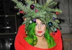 lady gaga decorates x mas tree after six years