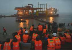 death toll climbs to 345 in china s cruise ship capsizing