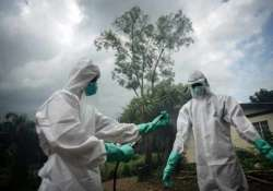 hundreds of thousands of ebola vaccines to be ready in 2015