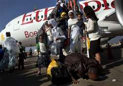 israel airlifts 450 ethiopians to the jewish state
