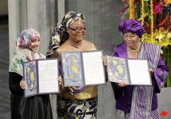 3 women accept nobel peace prize