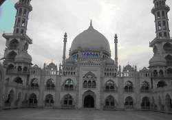 darul uloom deoband bans students from using camera phones