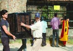 delhi zoo installs coolers for animals during summers