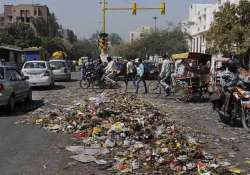hc to delhi government pay sanitation workers salaries
