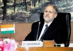 lg najeeb jung offers 2 civic bodies 300 cr loan to end