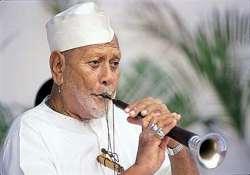 late ustad bismillah khan s son declines to propose modi s