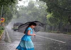 storm lashes himachal rohtang pass closed