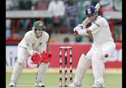 sachin completes 14 000 runs as india are 128 for two