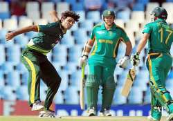irfan demolishes south african top order pak win by 6
