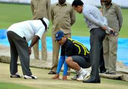 wicket will not assist spinners initially dhoni