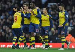 arsenal beats west ham 2 1 in premier league