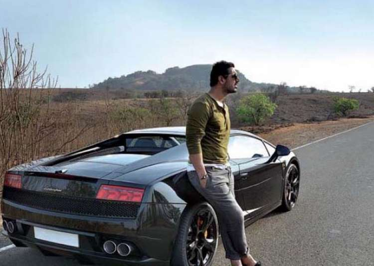 john abraham buys a black lamborghini gallardo pictures and- India Tv
