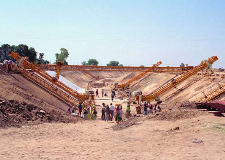 narmada to saurashtra branch canal work to be over by 2016- India Tv