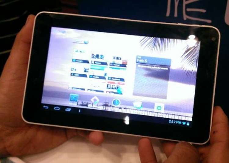 review hcl me tab u2- India Tv