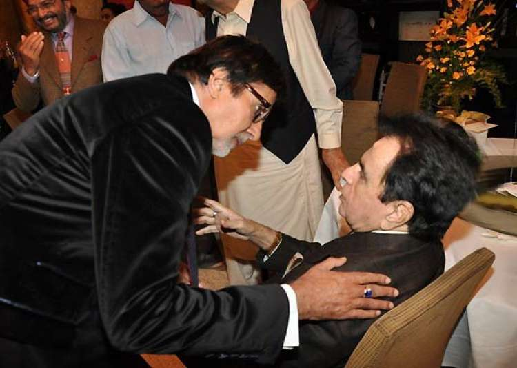 bachchan deserves an oscar says dilip kumar- India Tv