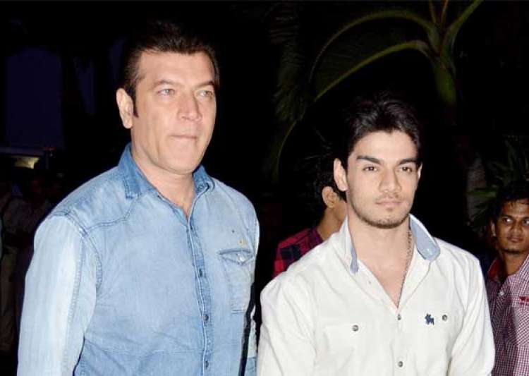 sooraj pancholi father aditya pancholi party hard post jiah- India Tv