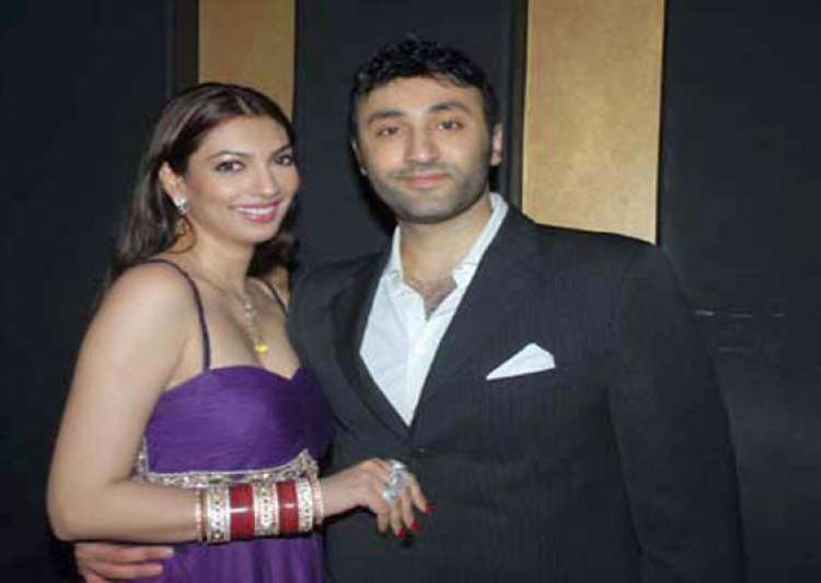 yukta mukhey accuses husband of abusing her- India Tv