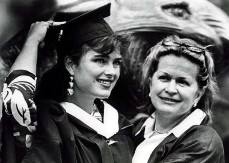 brooke shields mom dead at 79- India Tv