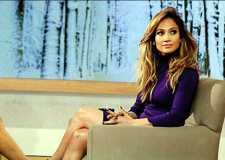 jlo turns cougar for the boy next door- India Tv