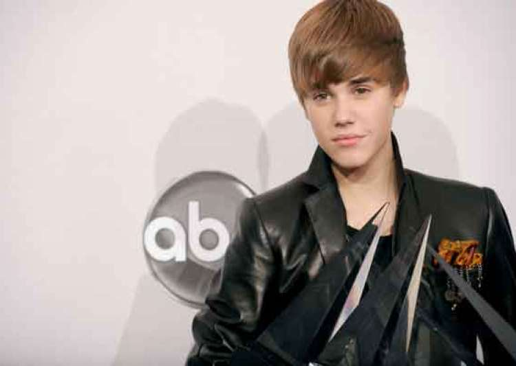 justin bieber dominates at american music awards- India Tv