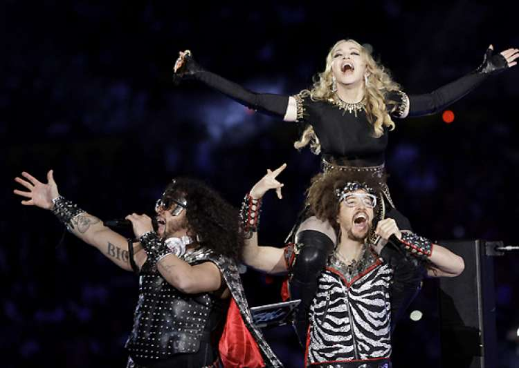 l.m.f.a.o rocks the super bowl with madonna- India Tv