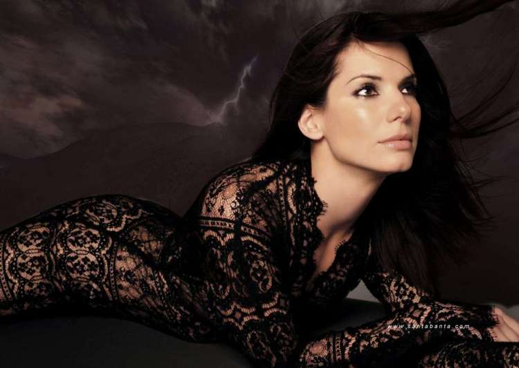 sandra bullock worries about skin show in gravity- India Tv