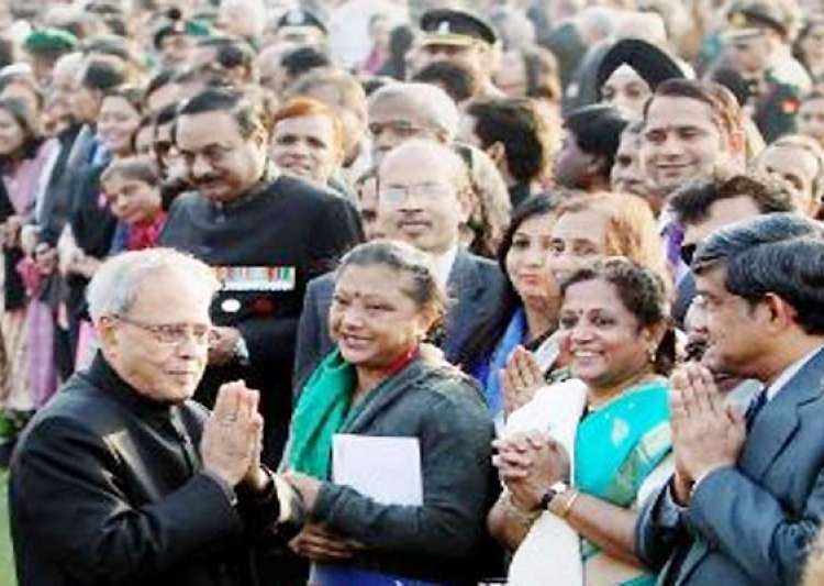 at his republic day reception president pranab gives- India Tv