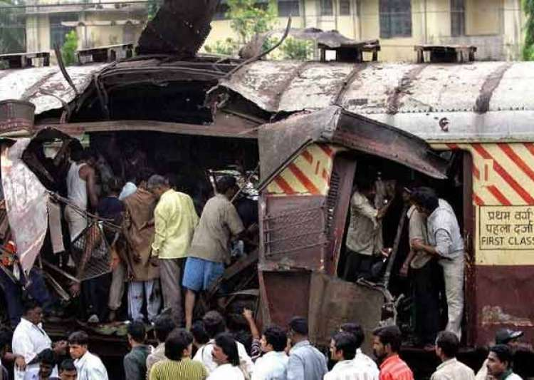 2006 Mumbai train blasts: 5 convicts sentenced to death, others get ...