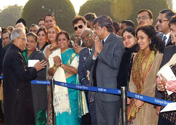 president pranab mukherjee mingles with guests at- India Tv