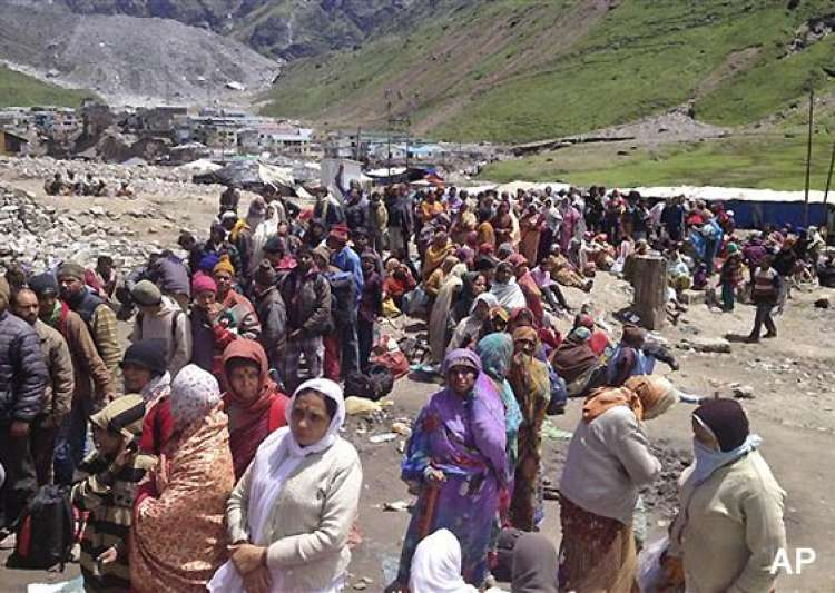 uttarakhand 8 000 still trapped in kedarnath- India Tv