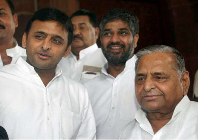no relief for mulayam akhilesh in disproportionate assets- India Tv