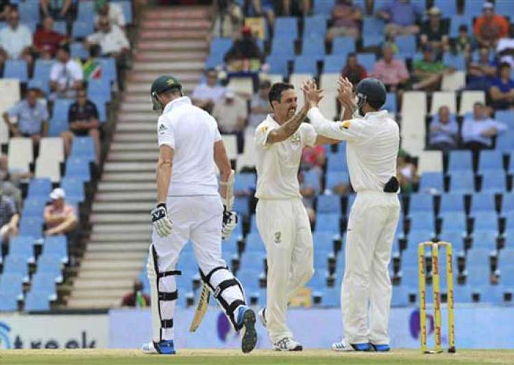 south africa 132/5 at tea trail by 349 vs australia 1st test- India Tv