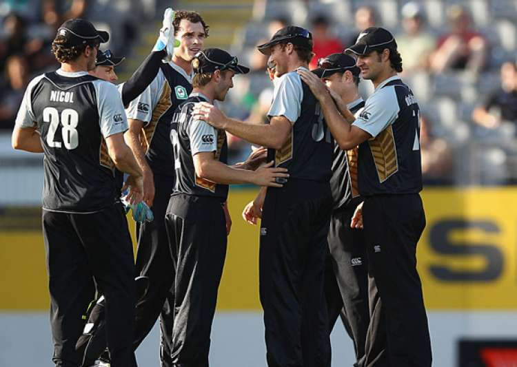 nz beats zimbabwe by 7 wickets in 1st twenty20- India Tv