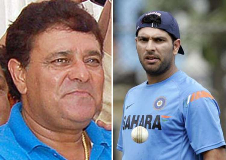 yuvraj s father yograj singh feels treatment was delayed- India Tv