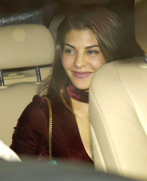Beautiful Jacqueline Fernandez also attended the party. She was looking drop dead gorgeous in maroon velvet dress. The lady turned many heads at the party. She has recently completed the shooting of 'Reload'.